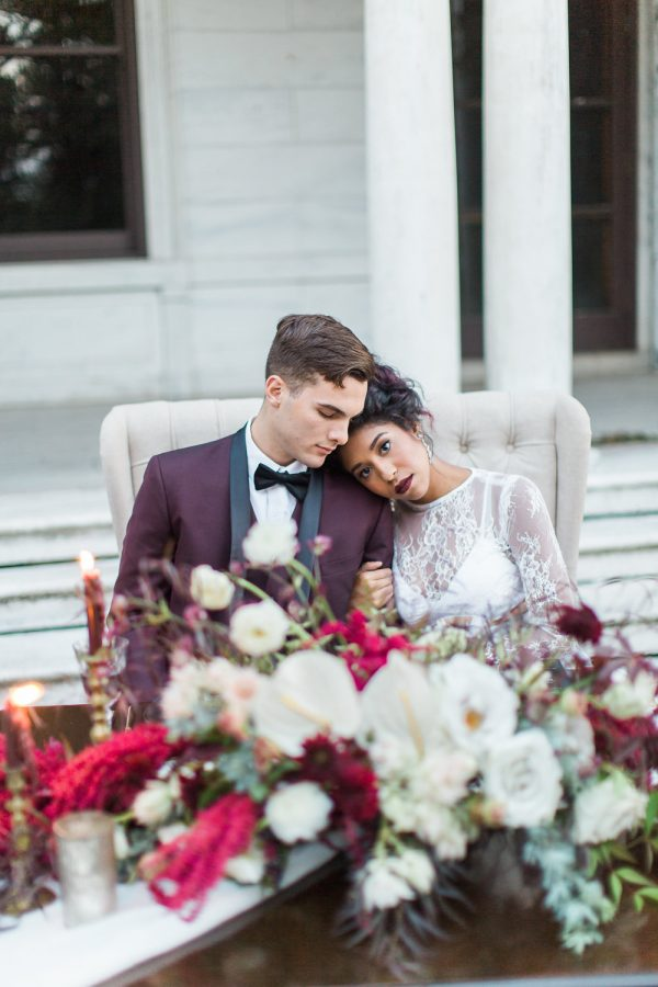 gothic-glam-fall-wedding-ideas70-600x900