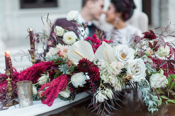 gothic-glam-fall-wedding-ideas73-600x400