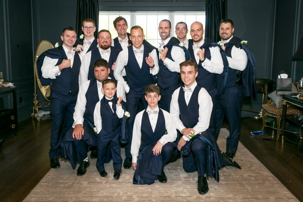 groomsmen-group-no-jackets