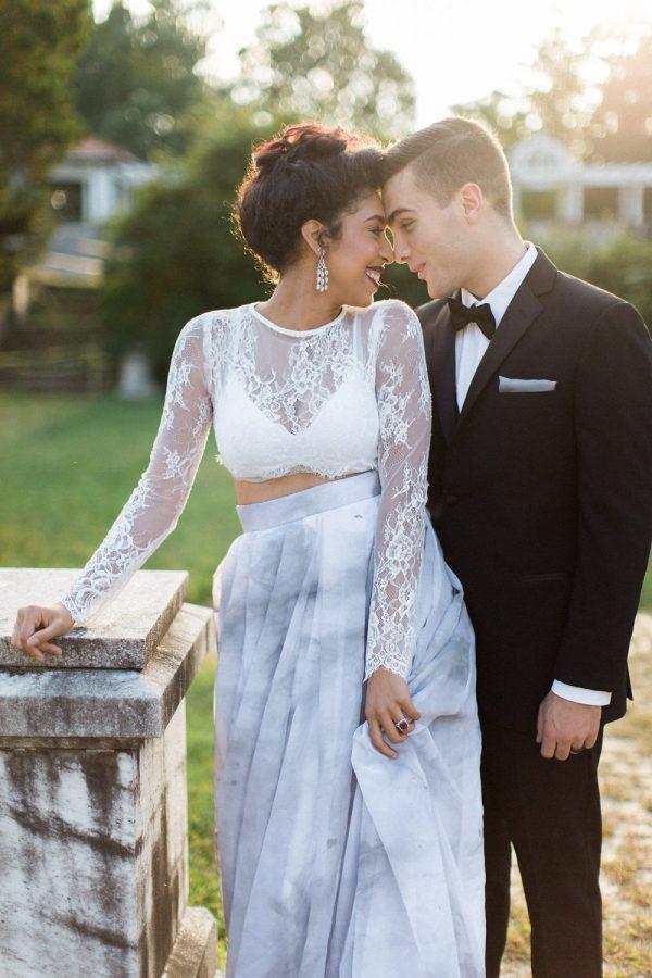 gothic-glam-fall-wedding-ideas05-600x900