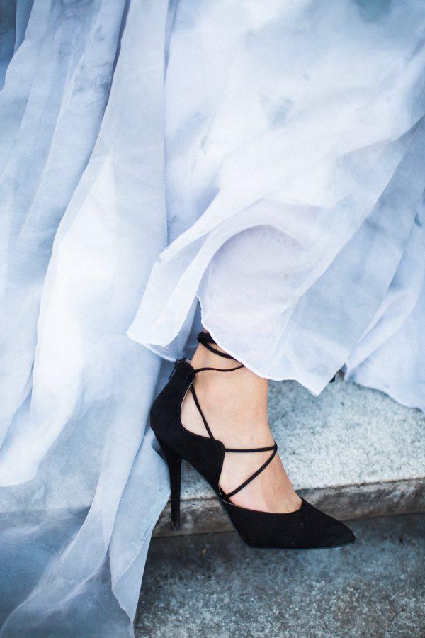 gothic-glam-fall-wedding-ideas13-600x900